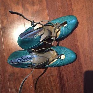 Turquoise Seychelles heels, size 7.