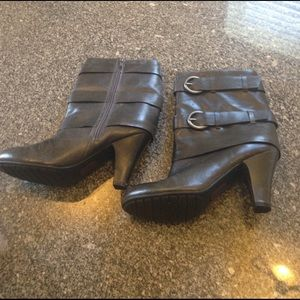 me too Shoes - Me too soho gray boots size 8 LEATHER