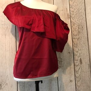 Tops - Pretty one shoulder/cold shoulder top in red