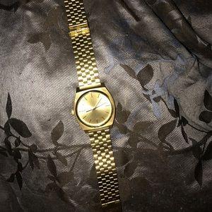 Nixon Other - Gold Nixon watch