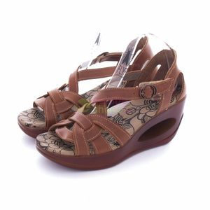 Fly London Shoes - NWT Fly London Hole Brown Leather Platform Sandals