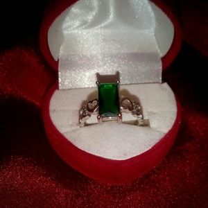 STERLING SILVER (925)  Emerald Ring
