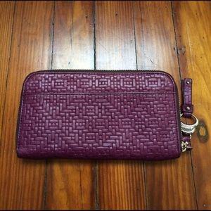 b. makowsky Handbags - NWOT leather wallet 💜