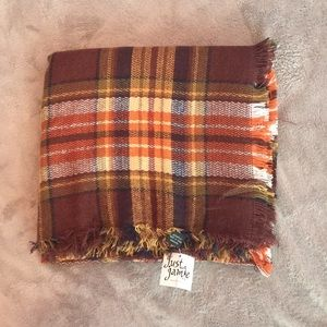 Accessories - Brand New Fall Colored Blanket Scarf With Tag