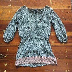 Tolani  Dresses & Skirts - Flowy, short dress