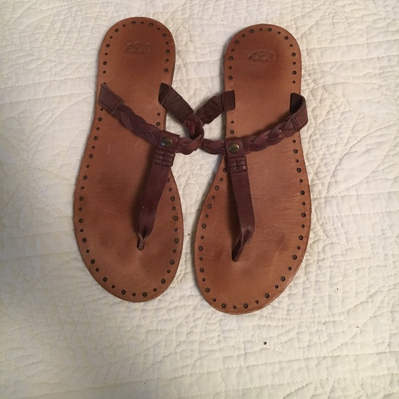 44ca4a9004a UGG braided leather open toe sandals sz. 8.5