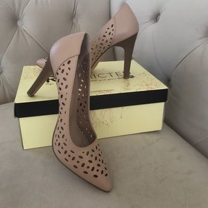 Restricted Shoes - NEW Pointy Nude Heels in Box