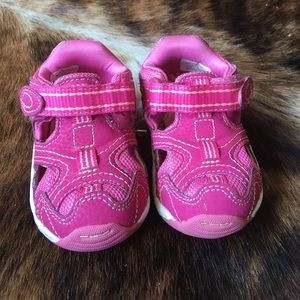 Stride Rite Other - Stride rite baby size 4 W shoe/sandal
