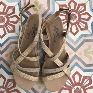 Daytrip Shoes - DAYTRIP SUMMER SANDALS SHOES TAN SIZE 8