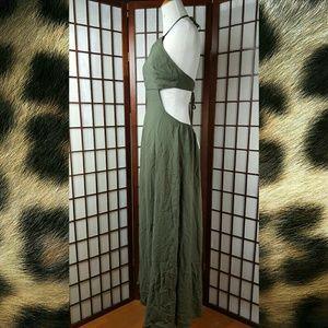 Tobi Dresses & Skirts - Sexy TOBI Halter Maxi DRESS Size Small