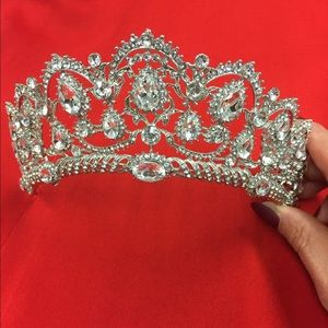 80%20 Jewelry - Crown for crystal brides and luxury quality
