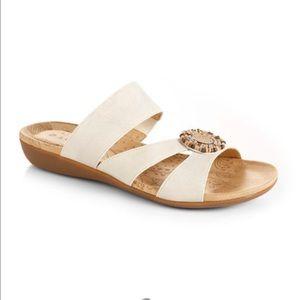 Acorn Shoes - Acorn pillow pod sandals