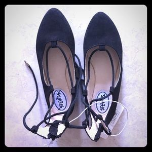 Stevies Other - Black pointy toe flats with lace up