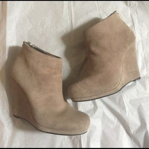 DKNYC Shoes - DKNY taupe suede booties w/small platform at toe 6