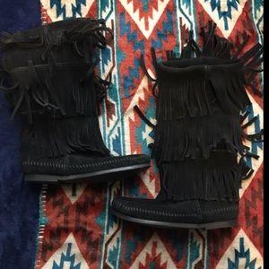 Minnetonka Shoes - Minnetonka 3-Layer Fringe Boot