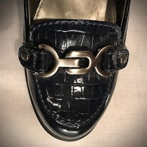 Bandolino Shoes - MOVING SALE Bandolino Navy Paton Leather Heels