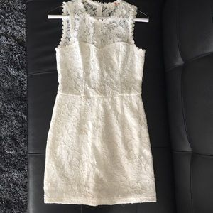 G by Guess Dresses & Skirts - 💥 G by GUESS White Lace Dress