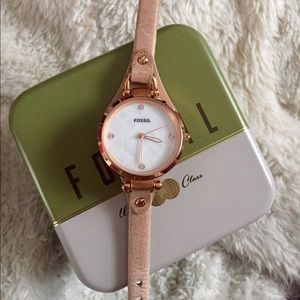 MICHAEL Michael Kors Accessories - NWOT fossil women's leather watch
