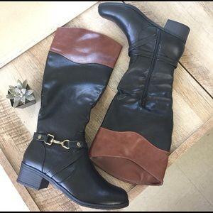 Shoes - • boots •