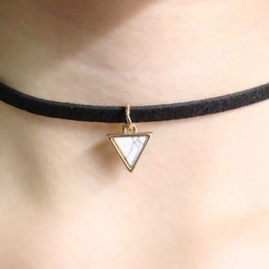 Jewelry - 💟Thin Black Choker with Marbled Triangle💟