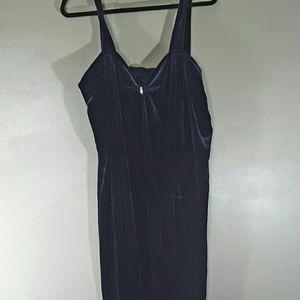 2xist Dresses & Skirts - Velvet formal dress