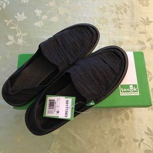 Sanuk Shoes - *NEW IN BOX* Sanuk Shuffle Sidewalk Surfer shoes