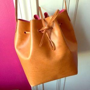 Mansur Gavriel Handbags - Mansur Gavriel Bucket Bag in Cammello/Dolly 🌺