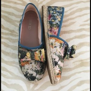 RED Valentino Shoes - 💯Auth Red Valentino 10mm Floral Canvas Espadrille