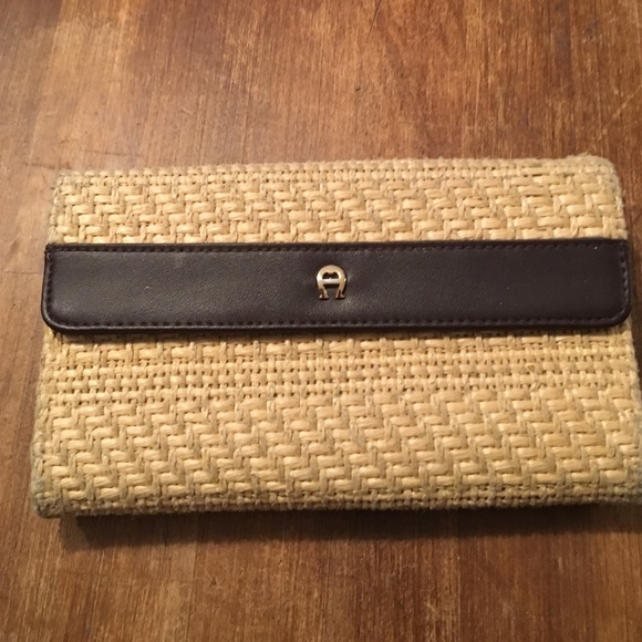 Pretty straw fabric etienne aligner wallet