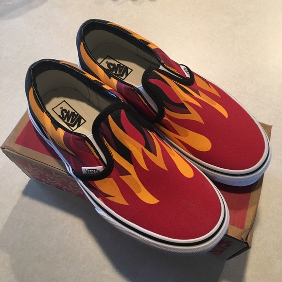 1027ad20d46002 NEW 🔥 youth Vans Classic Slip-on