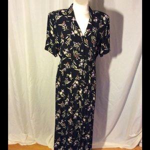Liz Claiborne Dresses & Skirts - Classic black dress with dainty flowers