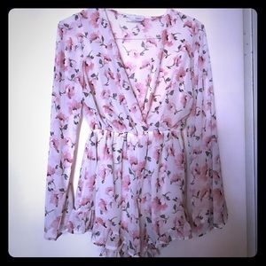 Stone Cold Fox Dresses & Skirts - NWOT!! Beautiful floral romper - never worn.
