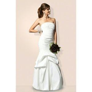 Jessica McClintock Dresses & Skirts - NWT, Jessica McClintock Bridal Prom Gown