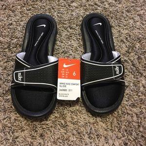 Nike Shoes - BNWT Nike sandals