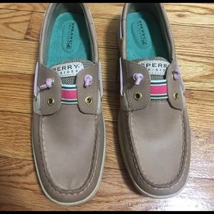 Sperry's size 8