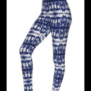 Callie Lives Pants - COMING SOON: Blue White Tie Dyed One Size Leggings
