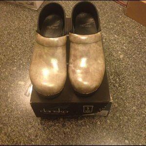 Dansko Shoes - Dansko pearl clogs 38