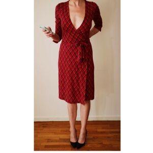 Diane von Furstenberg Dresses & Skirts - DVF Vintage %100 Silk Wrap Dress. Size 2.