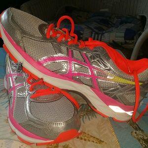 Asics Shoes - Women Asics running shoe