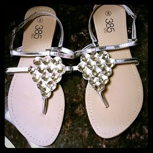 NWOT Sparkly 385 FIFTH Crystal Sandals.Size 8