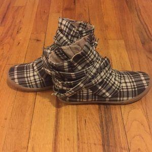 Aldo Shoes - 🌱SPRING SALE🌱Aldo Plaid Boots