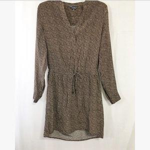 Vince Dresses & Skirts - Vince size 4 silk printed cinch waist dress