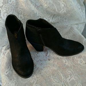 CARLOS SANTANA  Shoes - CARLOS SANTANA EVERETT BLACK BOOTIES  SIZE 10