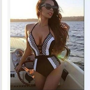 MK Boutique  Other - JUST IN!! Classy Blk White Monokini