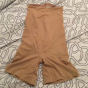 ASSETS by Sara Blakely Other - Assets shape wear shorts