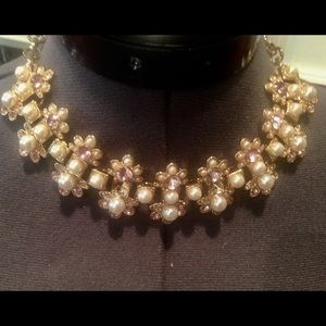 Jewelry - ♦️gorgeous pearl and crystal statement necklace