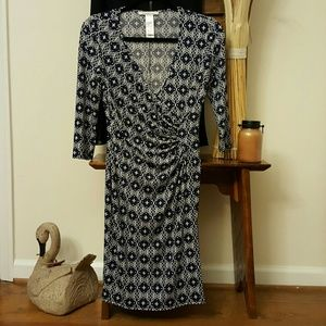Laundry by Design Dresses & Skirts - Fabulous navy and white dress
