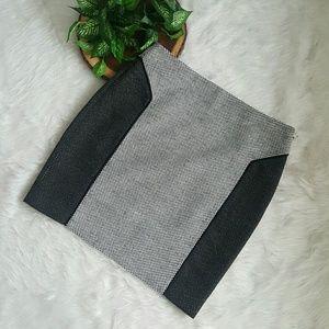 DKNYC Dresses & Skirts - NEW Black/White DKNYC Pencil Skirt