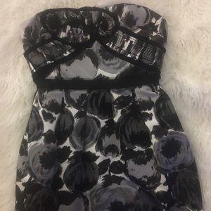 BCBG Strapless Size 6 Cocktail Dress