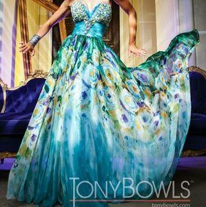 Tony Bowls Dresses & Skirts - Tony Bowls Floral Gown